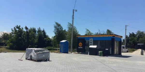 Мэр Малецкий в строительстве газовой заправки возле жилых домов нарушений не увидел