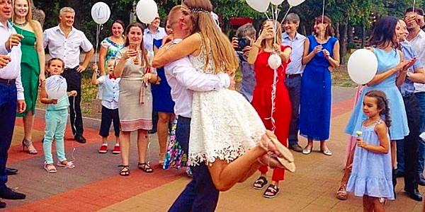 В узком кругу: на свадьбе помощника нардепа Шаповалова, депутата горсовета Бокована гуляли знакомые кременчужанам представители власти