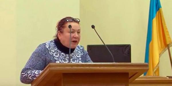 Как пенсионерка, фиолетовая активистка Лапа позавидовала молодости депутата Пиддубной