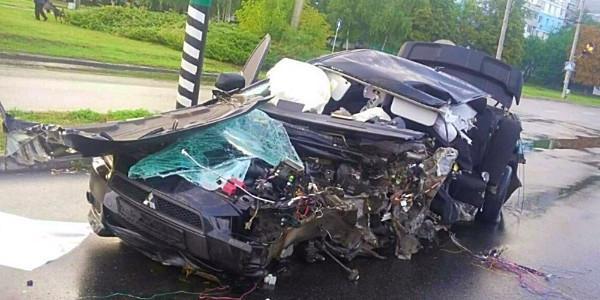 Водій Mitsubishi проігнорував вимоги патрульних і загинув в ДТП