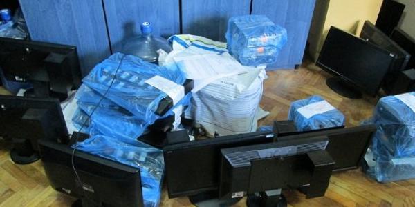 Великі обшуки: прокуратура та поліція вилучили обладнання для азартних ігор в лотомаркетах Кременчука (доповнено)