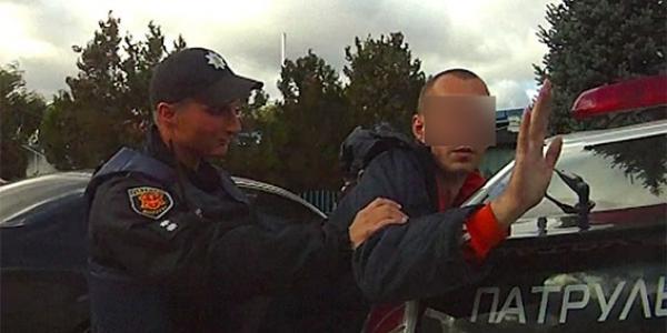 Молодик заявив у поліцію, що зарізав двох жінок