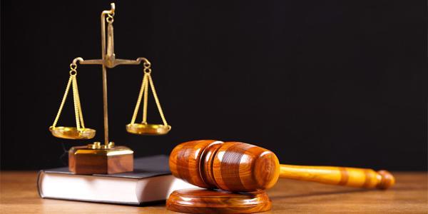 Суд у справі керування авто у стані сп'яніння лікарем Сичовим: підозріло тягнуть час