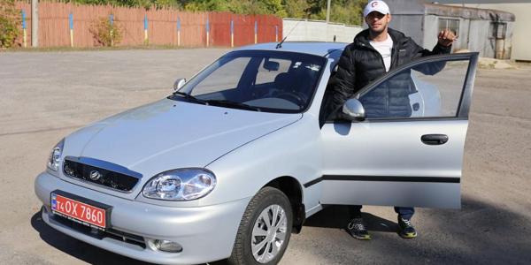 Кременчужанин – золотий призер Літніх Параолімпійських отримав легковий автомобіль
