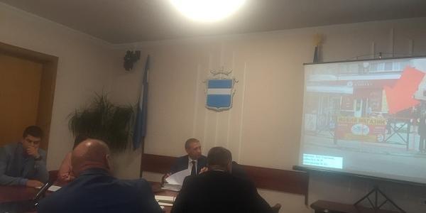 Вопрос касался охраны школ коммунальным предприятием «Муниципальная полиция».