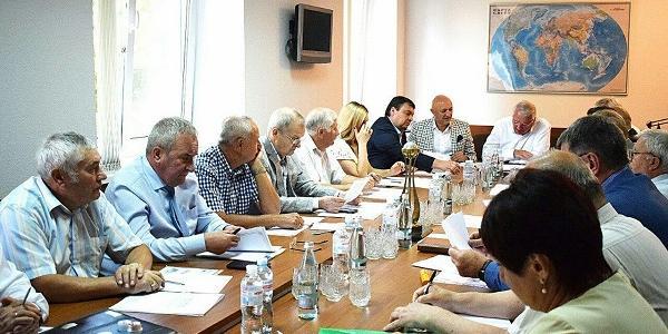 На засіданні вирішували проблеми роботи у напрямку державних монополій.