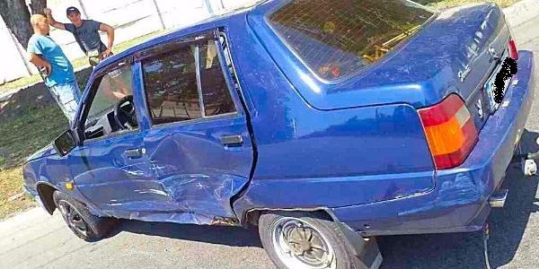 По проспекту Свободи зіткнулися Daewoo і Таврія: постраждало новонароджене немовля