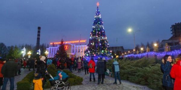 Мешканців Крюкова тішитиме новорічна ялинка до 15 січня