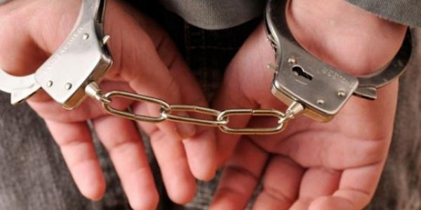 Двох грабіжників, які викрадали телефони та гроші містян, затримали поліцейські