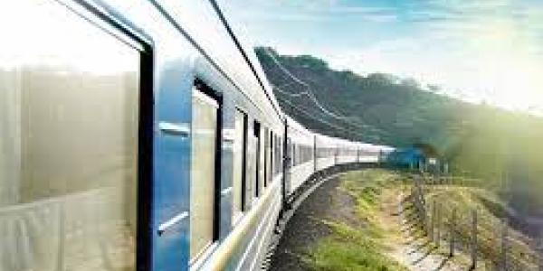 Укрзалізниця відновлює курсування поїздів далекого сполучення до Закарпатської області
