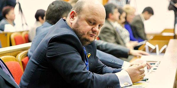 Е-декларация советника мэра Кременчуга, депутата горсовета Ульянова: шесть автомобилей, яхта и жена-миллионерша