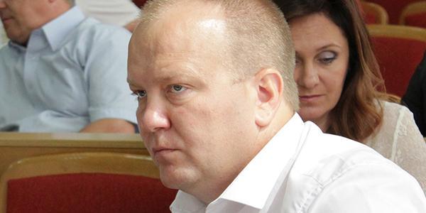 Депутат горсовета Кременчуга Головач за год «оброс» солидными наличными сбережениями и старенькой машиной