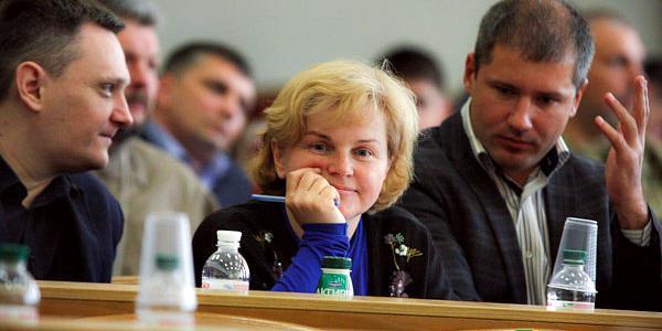 Е-декларация депутата Кременчугского горсовета, многодетной мамы Сидерки: две частные организации и участок в Потоках