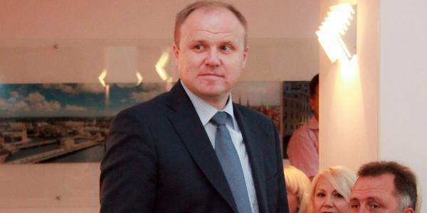 Е-декларация депутата горсовета Плескуна: 68 тыс. грн дохода в месяц, две квартиры, две машины