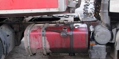 В Кременчуге «подоили» грузовой «Мерседес»