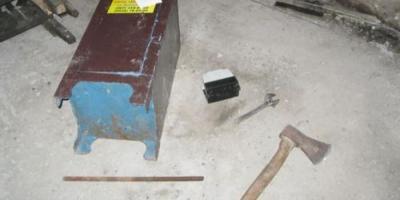 В Кременчуге неизвестные в масках «обчистили» сейф в гараже.