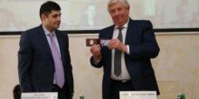 В Украине в отставку отправлен генпрокурор, уволен и его заместитель