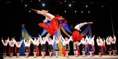 Закаблуками та гопаком танцювала Україна у кременчуцькому «Сузір'ї Дніпра»