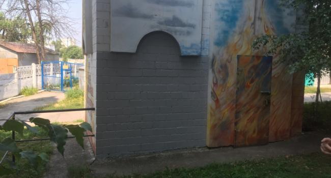 Вместо георгиевской ленты – береза и памятник неизвестному летчику