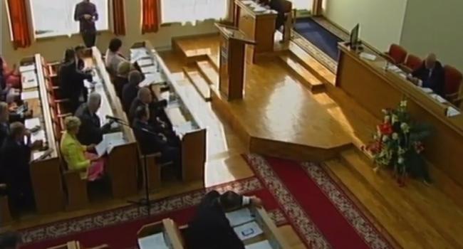 На сессии горсовета рассмотрели шесть депутатских запросовм