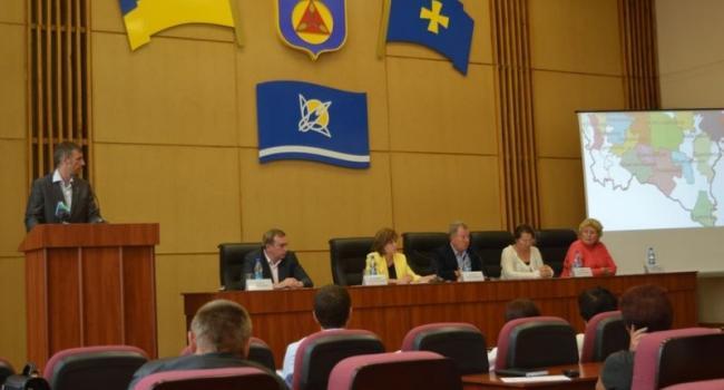 Комсомольск, Саловский и Келебердянский сельсоветы объединились в одну общину
