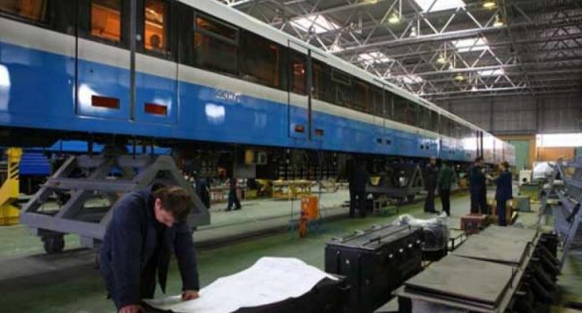 Крюковский вагонзавод увеличил выпуск грузовых вагонов в 4,5 раза