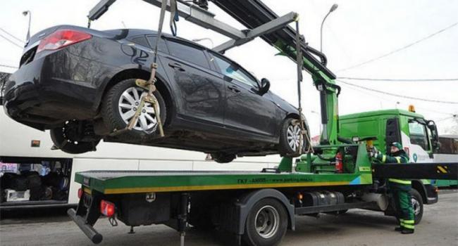 Патрульные предупреждают: автомобили нарушителей ПДД будут эвакуировать на штрафплощадку