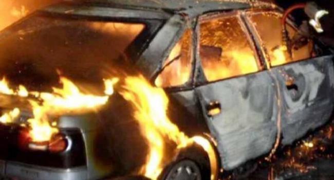 В Кременчуге за ночь сгорели три авто и еще три повреждены (дополнено)