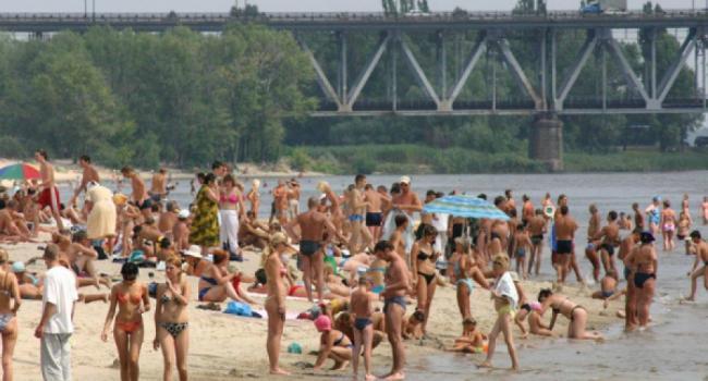 На кременчугских пляжах не советуют купаться