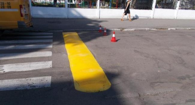 В Кременчуге дорожники покрасят «лежачих полицейских»