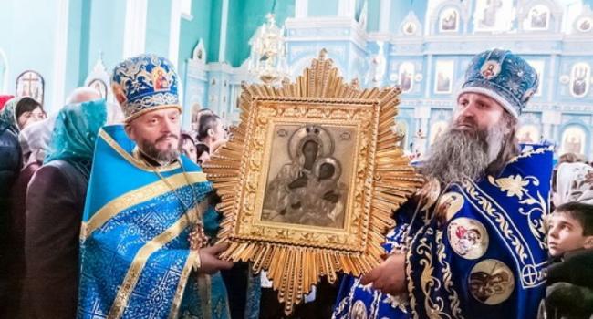 В Козельщине молитвенно почтили икону Козельщанской Божией Матери