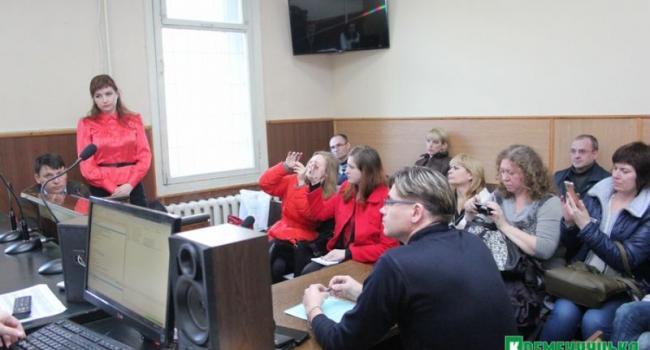 Суд начал рассматривать иск Пиддубной к газете «АVтограф»