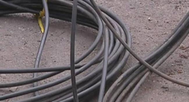 Кременчугские милиционеры пресекли попытку кражи телефонного кабеля