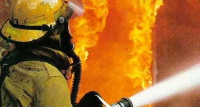 В Кременчуге горел гараж, дом и ВАЗ