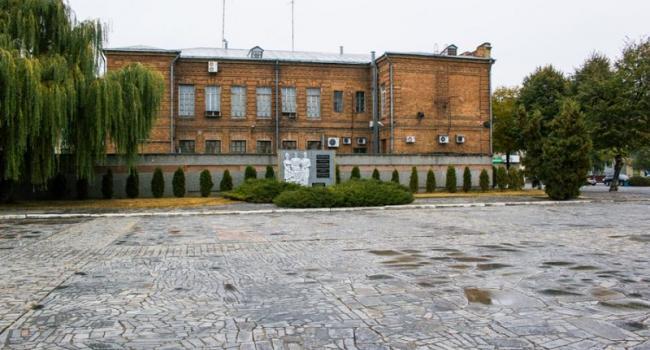 Власть отреагировала на критику: от памятника ветеранам убрали «экстрим-городок»