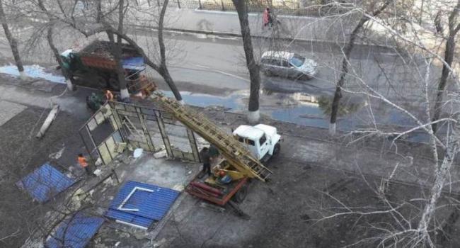 Городская власть Кременчуга начала «очистку» города от киосков и павильонов