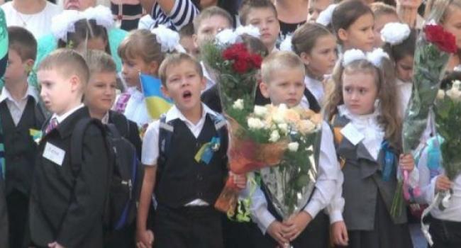 В Кременчуге 1 сентября в 81 класс придет 2396 первоклашек
