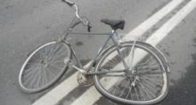 В Крюкове легковой автомобиль сбил велосипедиста