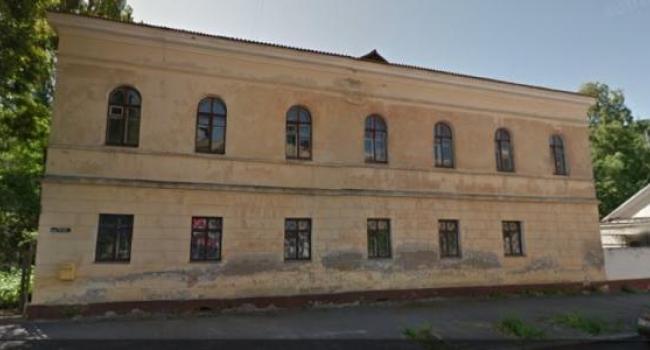 В военном госпитале Кременчуга новые хозяева устраивают плац