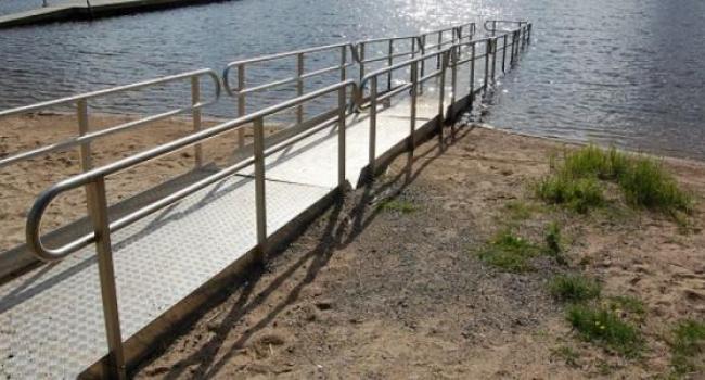 На Центральном пляже пандус для инвалидов в этом году не установят