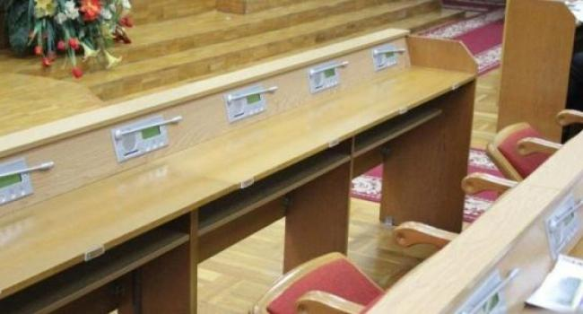 Депутаты горсовета ушли на перерыв до четверга