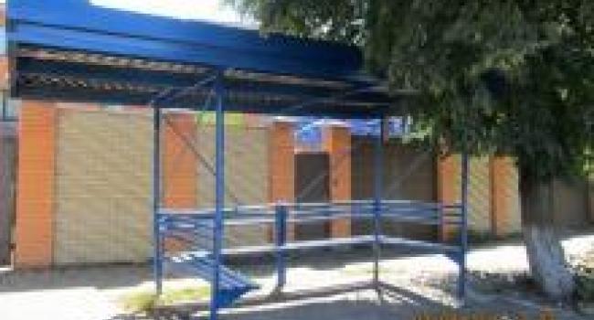 В Кременчуге обновили остановку «3-я городская больница»