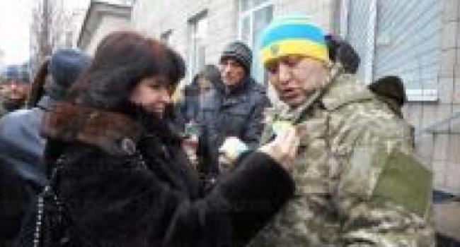 Активист Харченко пока в зону АТО не идет