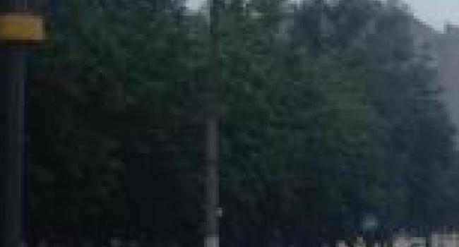 Дождь смыл в Кременчуге часть наружной рекламы