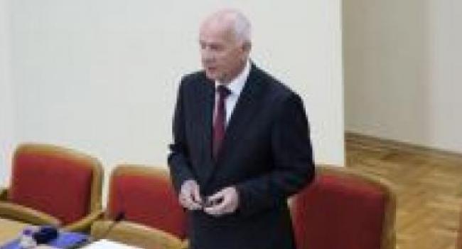 Ивко говорит, что 7 июля Холод и Ко смогут работать в сессионном зале