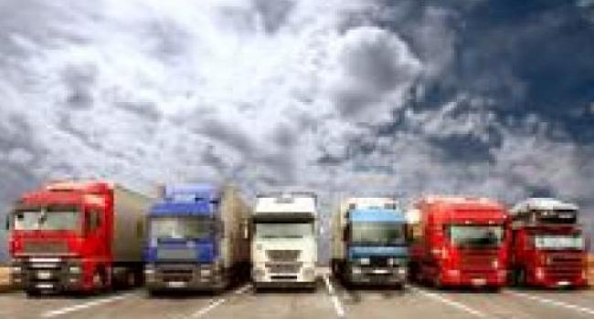 С 1 июня грузовики должны ездить по украинским дорогам только ночью