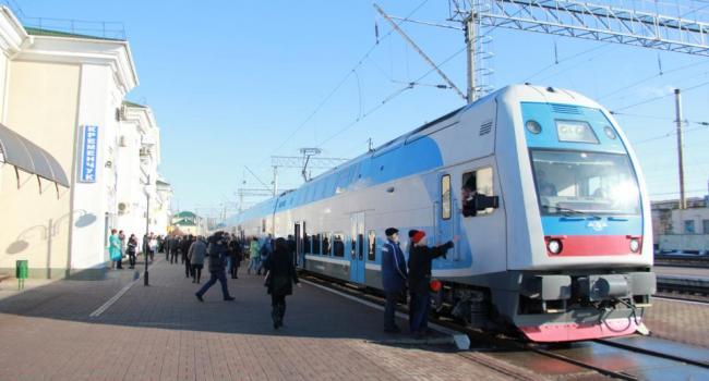 На Новый год и Рождество из Кременчуга отменяется ряд пригородных поездов