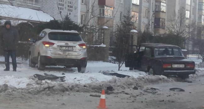 В центре Кременчуга столкнулись Hyundai и Жигули
