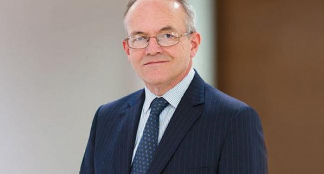 Глава совета директоров Стивен Лукас