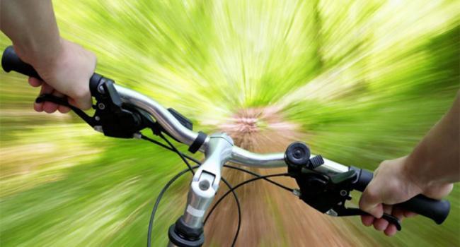 В Кременчуге велосипедист сбил пешехода